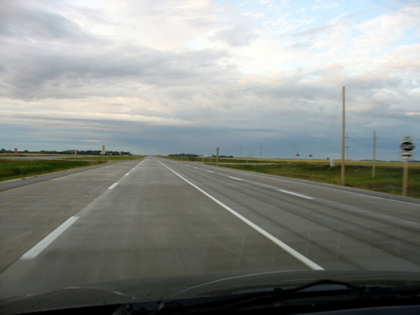 дорога в Манитобе road in Manitoba