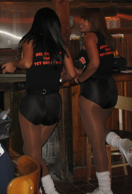 Хутерс Чикаго, Hooters and Hootersgirls Chicago