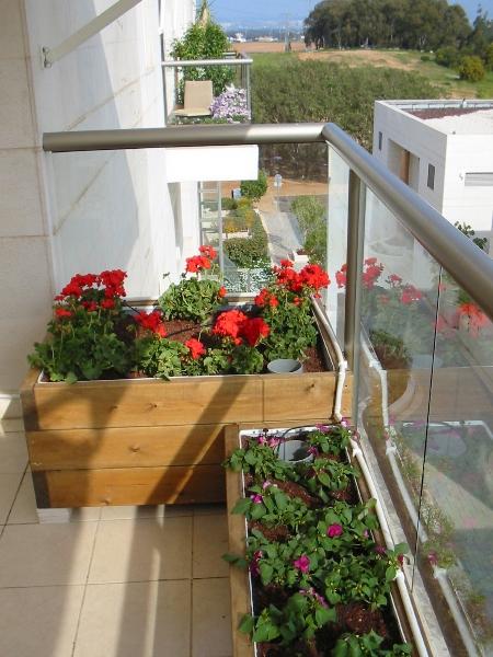 Как сделать кадки с цветами на маленьком балконе Черняков и .