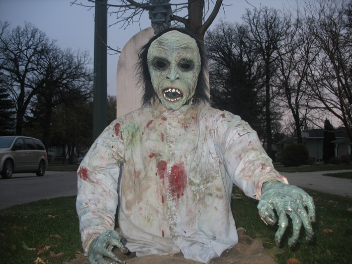 Виннипег Хэллоуин и зомби Winnipeg Halloween zombies