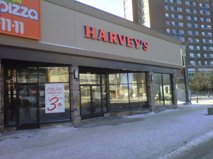 Harvey's Portage Avenue Winnipeg Виннипег