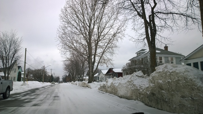 2nd St E в Форт Френсис, Онтарио, Канада. Fort Frances, Ontario, Canada