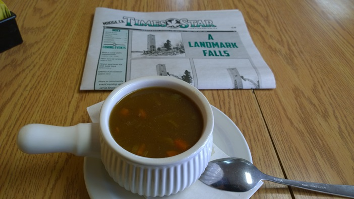 Говяжий суп с перловкой. Beef barley soup in restaurant Crown & Anchor in Geraldton Ontario