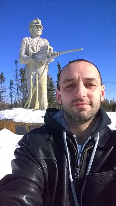 Черняков и Шахтёр Томпсон Манитоба Канада. Chernyakov and King Miner Thompson Manitoba Canada